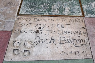 Chinese Theatre Concrete Hand Prints Hollywood (18)