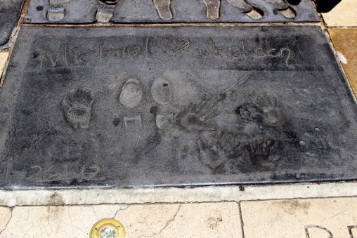 Chinese Theatre Concrete Hand Prints Hollywood (19)