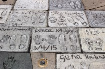 Chinese Theatre Concrete Hand Prints Hollywood (3)