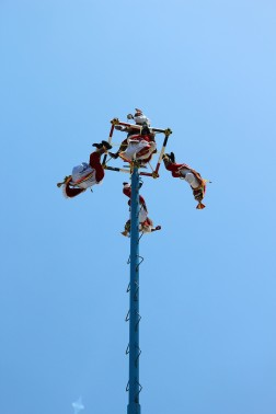Things To Do In Tulum Voladores (6)